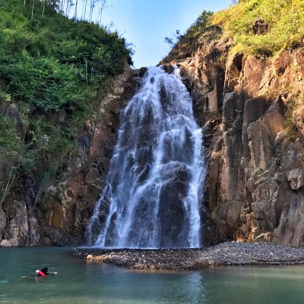 壁纸 风景 旅游 瀑布 山水 桌面 600_600