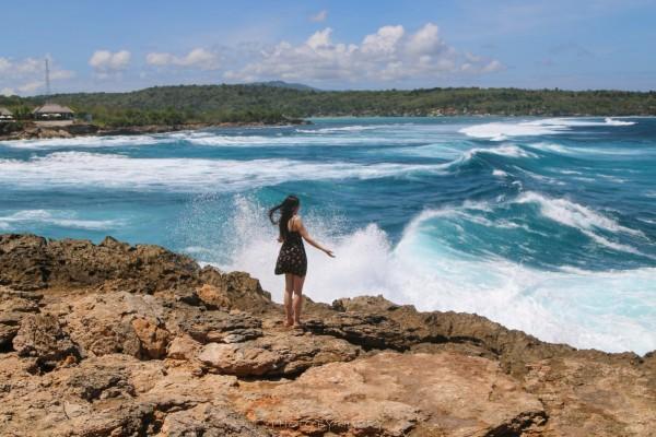 巴厘岛 游记          看了很多攻略照片,发现隔巴厘岛半小时船程的蓝