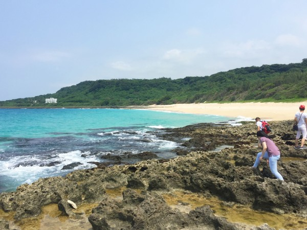台湾 游记  被保护的砂岛贝壳沙滩,海滩上一个人都没有,因为人根本进