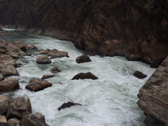 祖国的山河. 很壮观,可惜我们技术有限,拍不出那种感觉.
