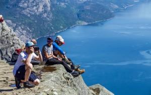 【吕瑟峡湾图片】挪威吕瑟峡湾 看景动人,看人动心