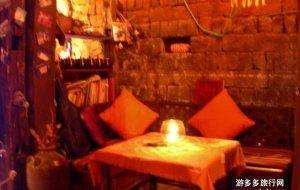 束河娱乐-飞鸟与鱼酒吧