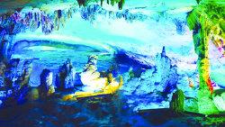 桂林景点-世纪冰川灵佛洞