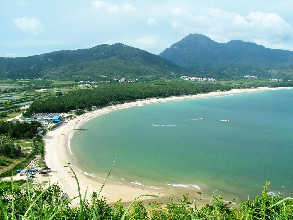 西冲是深圳市大鹏半岛用地条件和自然资源条件最为优秀的地区,景观