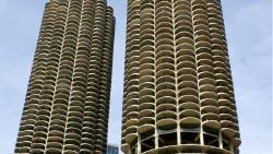 芝加哥景点-马里纳城(Marina City)