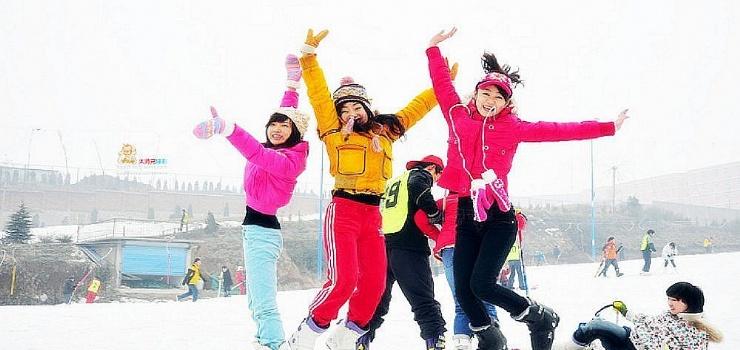 白鹿塬滑雪场