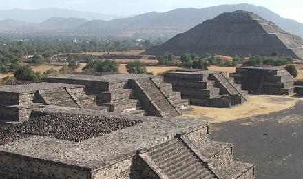 墨西哥城一日游(特奥蒂瓦坎金字塔+瓜达卢佩圣母大)