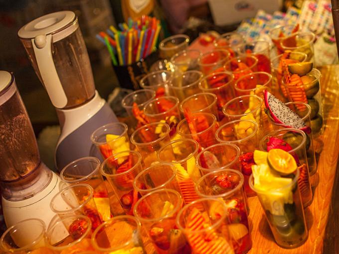 制作现榨果汁的水果