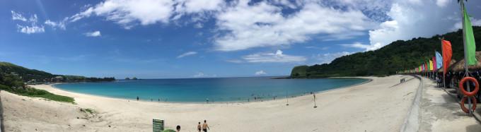 是菲律宾北依罗戈斯省最北部的临海小城,也是整个吕宋岛海滩最美的