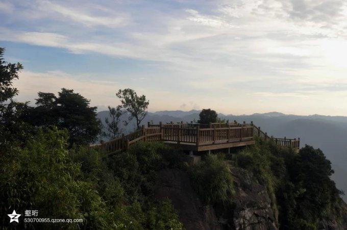 福州柳杉王公园就位于福州鼓岭风景区,它因一株高30米,径围约