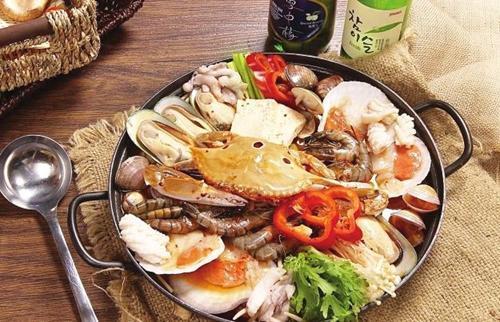 捕鱼+特色贵妃鸡+帝王蟹+海鲜火锅+双月湾美食两日游
