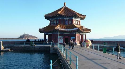 青岛栈桥由回澜阁,中山路