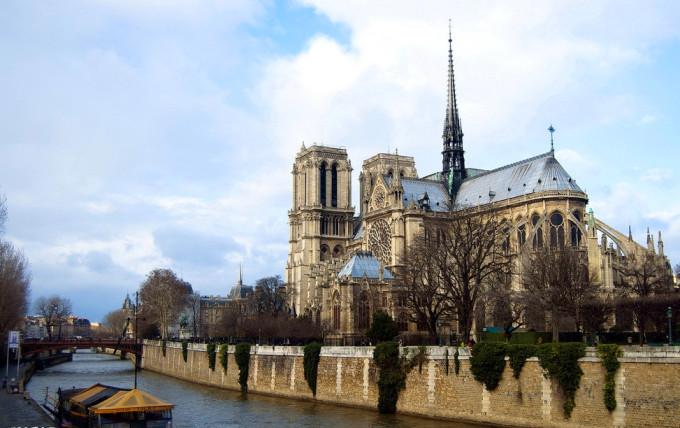 巴黎圣母院读后感800字-满分作文网